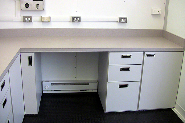 284-custom-cabinets-c