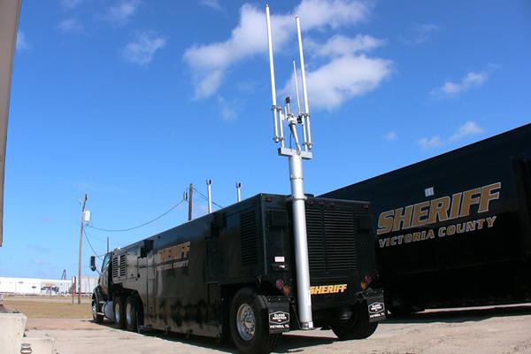 victoria-sheriff-mast-2