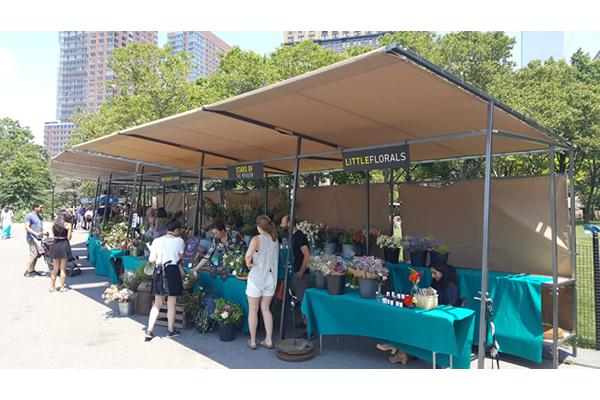 432-battery-park-market-stalls-a