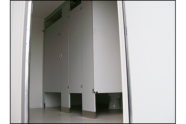 portable-ada-compliant-restroom-3