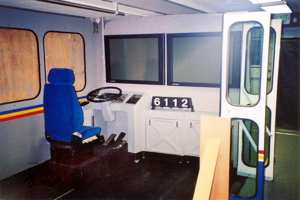 156-technology-showroom-trailer-3