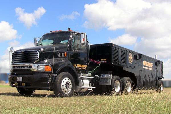 340-command-trailer-a