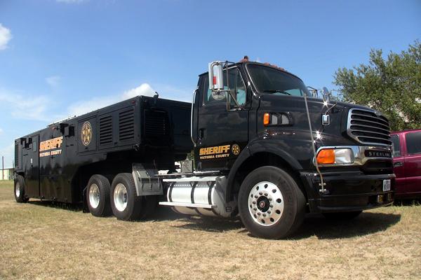 340-command-trailer-d
