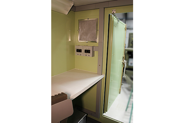 414-moog-shelter-zc