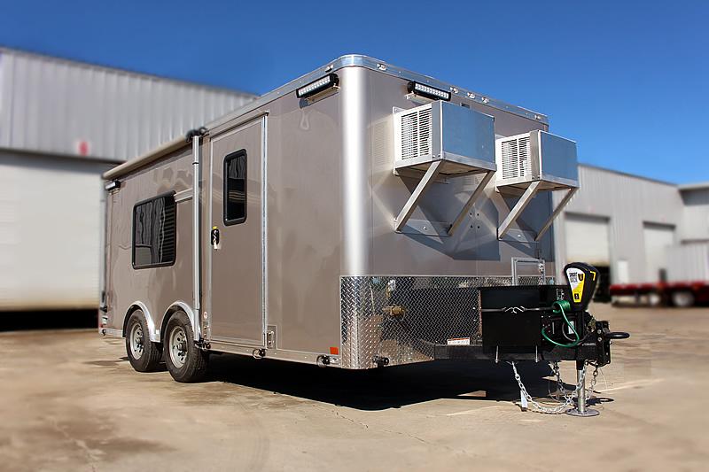 468-command-trailer-1c