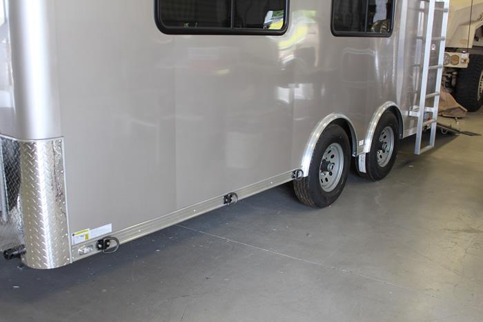 468-command-trailer-2c