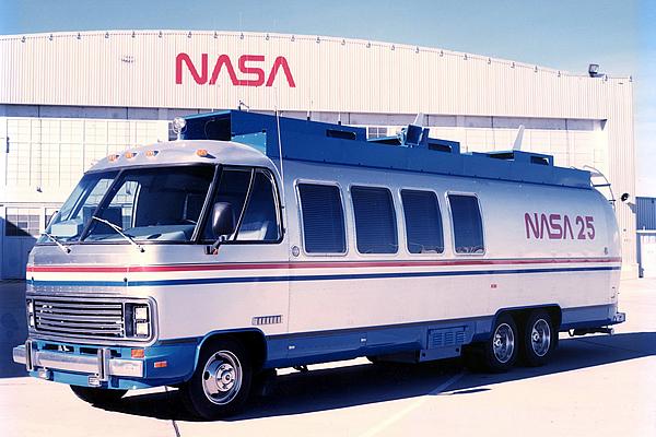 nasa-space-shuttle-command-center-clegg-3