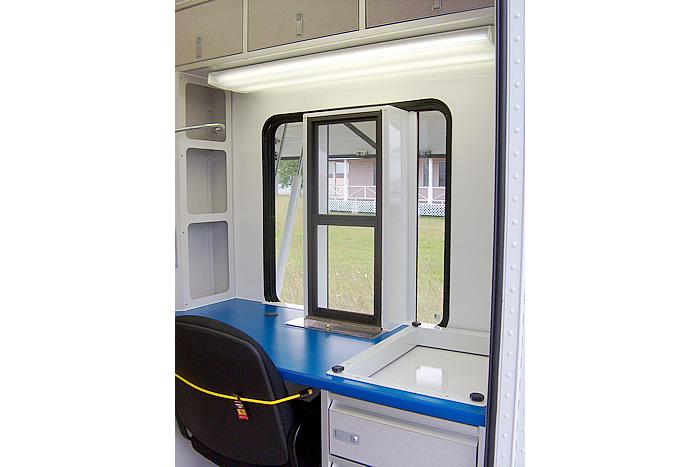 234-us-post-office-on-wheels-m