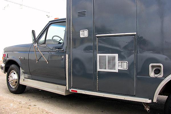 334-victoria-sheriff-swat-vehicle-e