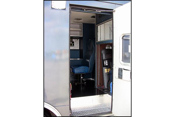 334-victoria-sheriff-swat-vehicle-q