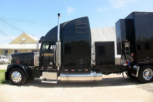 351-command-trailer-truck-d